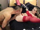 Mature cougar knows how to fuck properly
